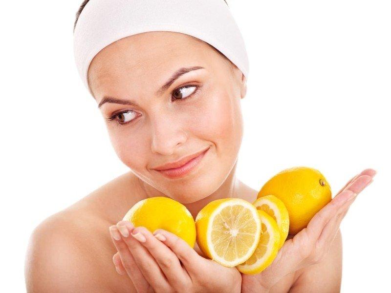 Отбеливающая маска для лица с лимоном в домашних условиях
