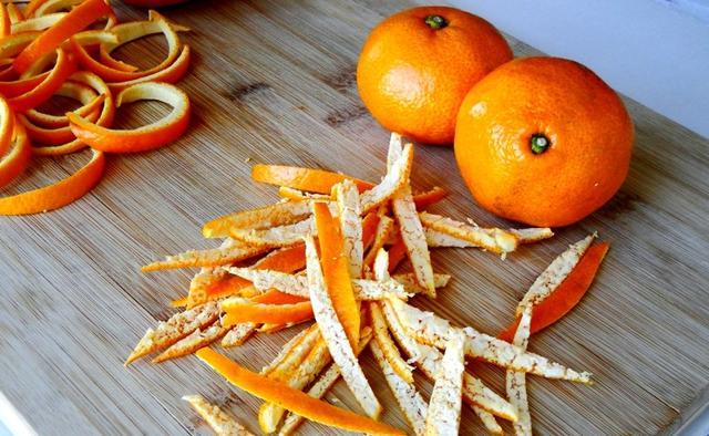Не нужно выбрасывать мандариновые корки. У них есть 18 полезных применений