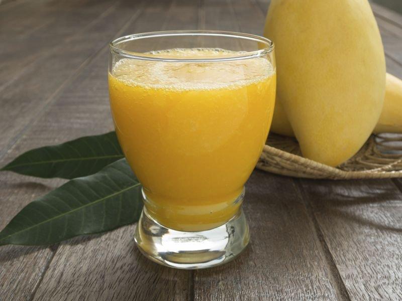 Супер полезный летний смузи с имбирем и манго