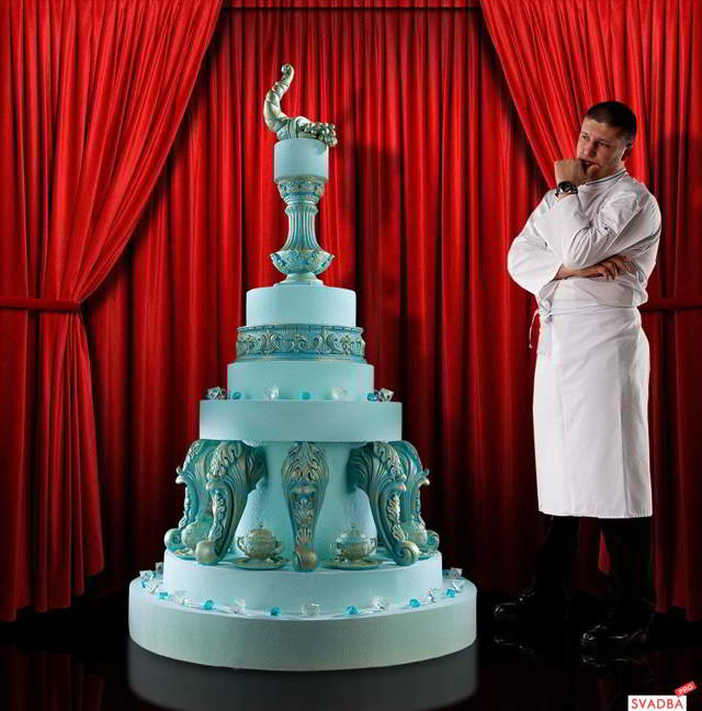 Удивительной красоты торты!!! Такие шедевры  невозможно есть. Ими можно только любоваться