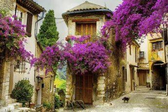 Небольшая деревня в Провансе, Франция