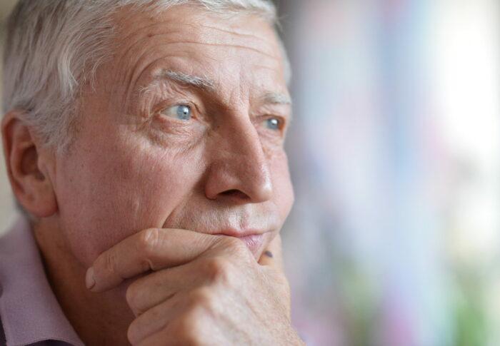Мне 58, случайно завёл роман и кажется всё серьёзно, думаю разводиться с женой, но чувствую, не поймут меня родственники