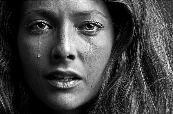 Почему мы терпим страдания и не уходим?