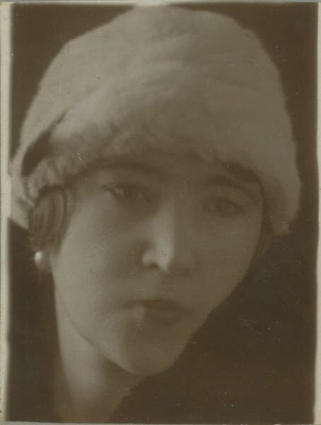 Портрет девушки Неизвестный автор, 1920-е, МАММ/МДФ.