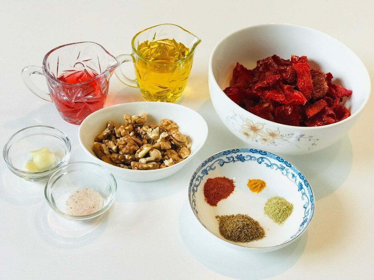 Изображение выглядит как тарелка, стол, еда, чаша Автоматически созданное описание