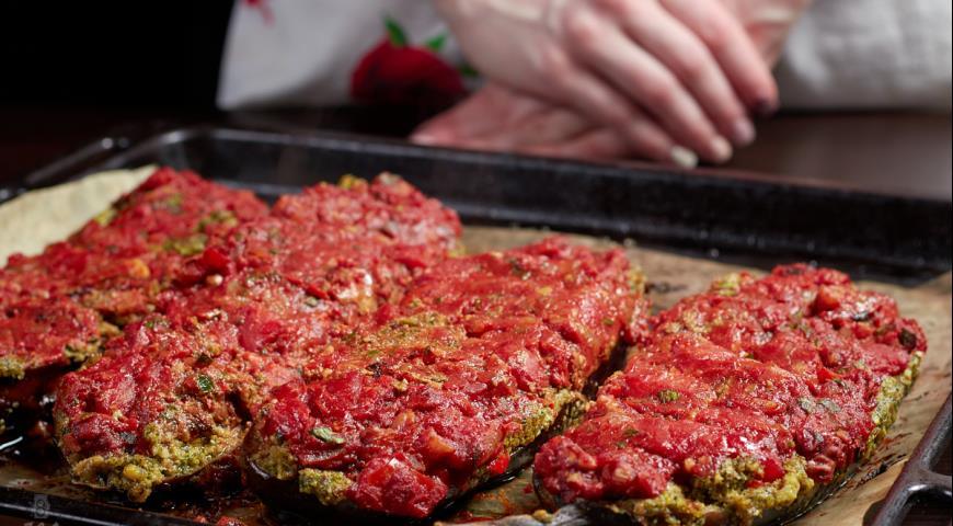 Фото приготовления рецепта: Баклажаны по-грузински, шаг №9