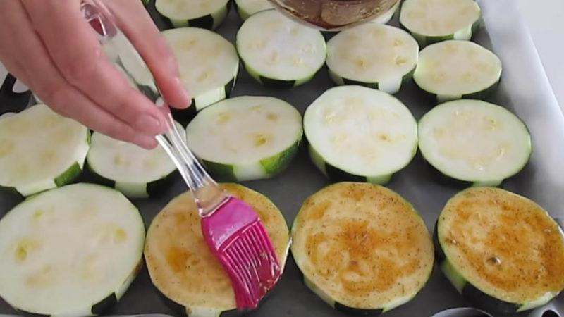 Изображение выглядит как еда, человек, внутренний, готовит пищу Автоматически созданное описание