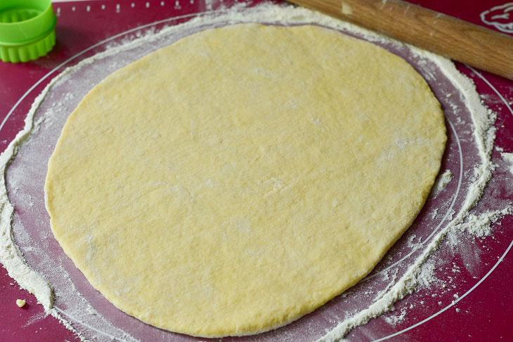 Изображение выглядит как еда, тарелка, внутренний, нарезанный ломтиками Автоматически созданное описание