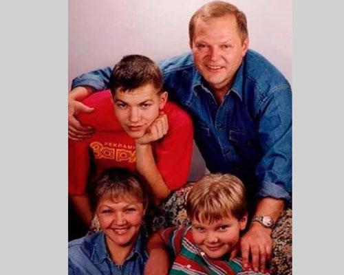 Юрий и Марина с сыновьями