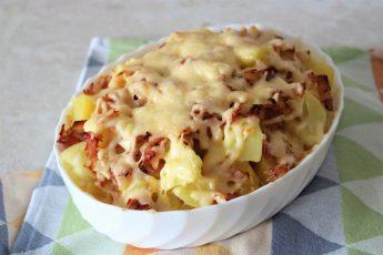 """Французский """"Тартифлет"""" из картофеля стал настоящим хитом на моей кухне: звучит сложно, а готовить легко"""